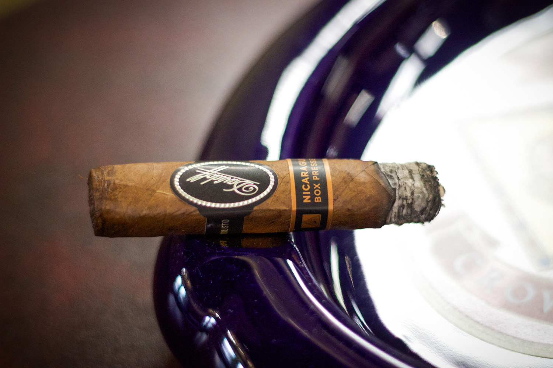 Davidoff Nicaragua Box Pressed Burn